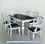 Set Kursi Makan Model Kupu Duco Putih